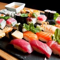 Assortiment de sushis et makis